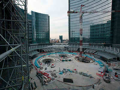 The construction site of the sunken piazza, Milan
